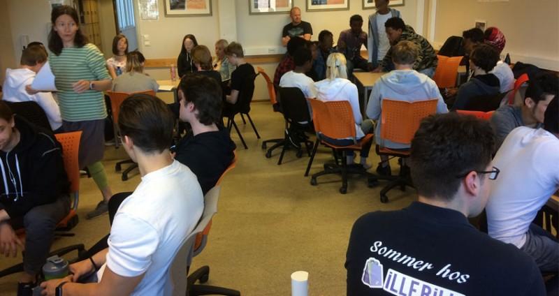Workshop for skoleelever og unge asylsøkere på Mysen